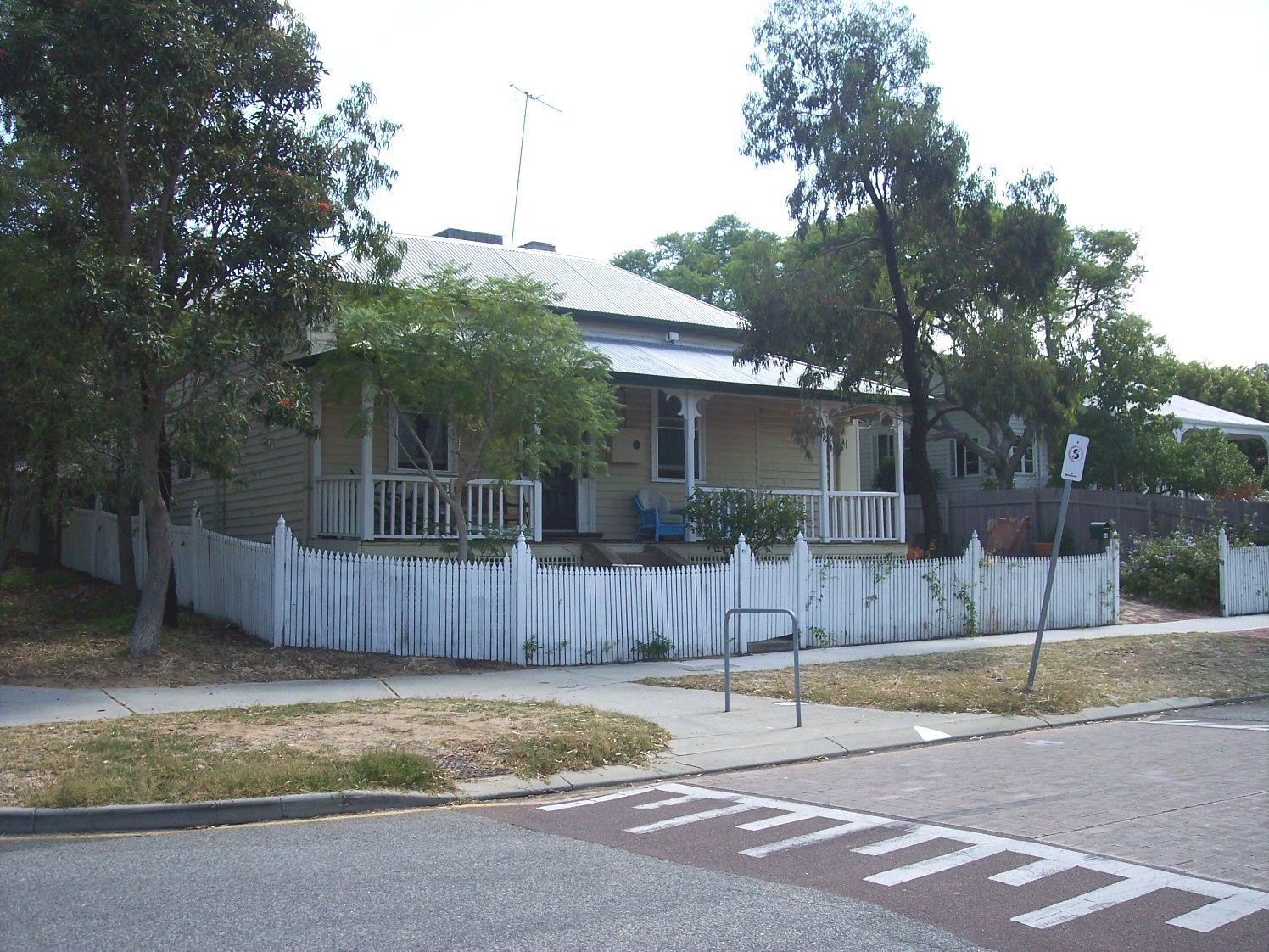 1-2-07 View NNE 45 Fraser Street.jpg