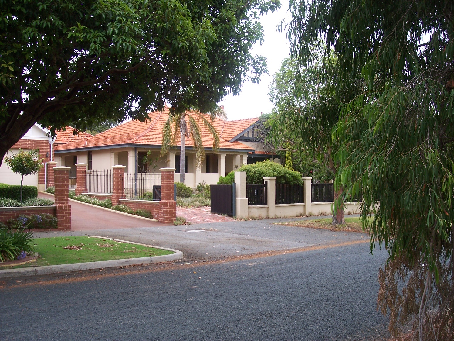 4-1-07 View NW 67 Fortescue Street.jpg