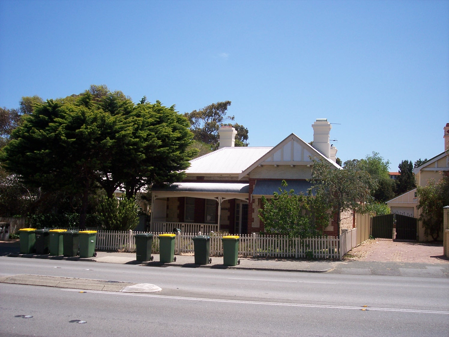 31-10-06 View N 194A Canning Highway.jpg