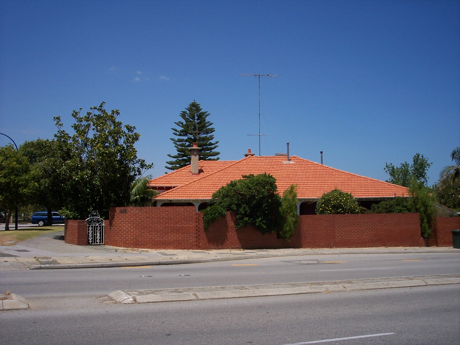 31-10-06 View S 205 Canning Highway.jpg