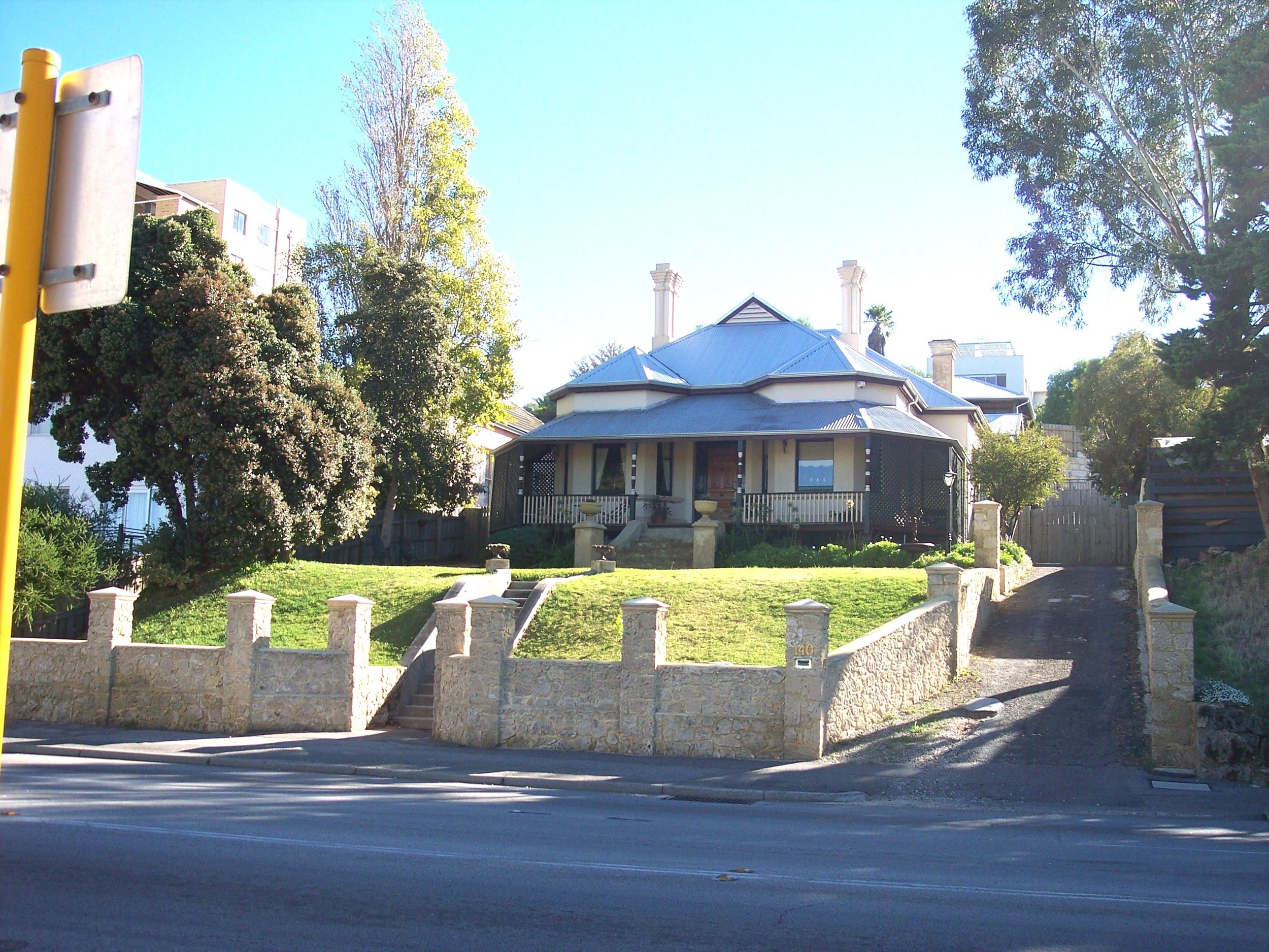 25-5-06 View NNW 140 Canning Highway.jpg
