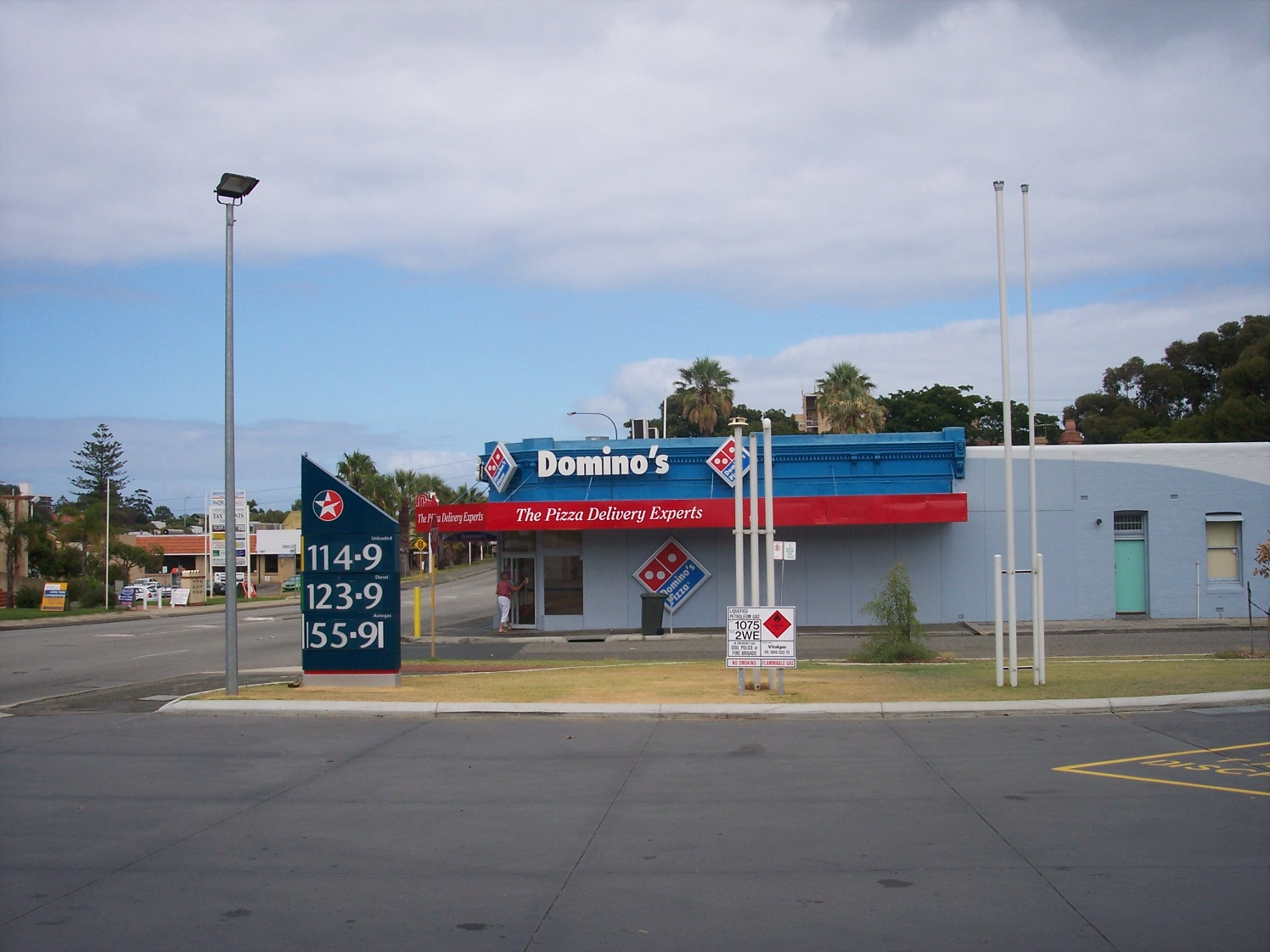 31-1-07 View W 172 Canning Highway.jpg