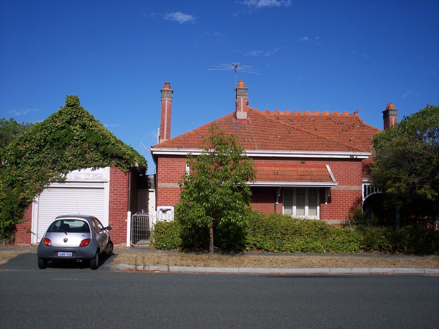 25-1-07 View W 171 Canning Highway.jpg