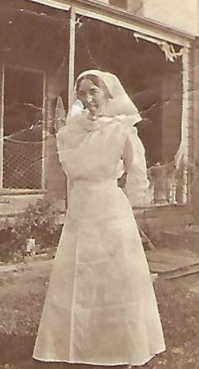 Ida Bathgate at 46 Duke St, East Fremantle c. 1920