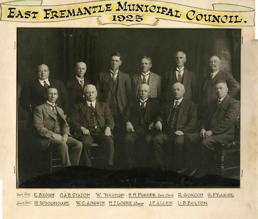 WC Angwin with the other East Fremantle councillors in 1925. Source Fremantle History Centre photo #55-02.