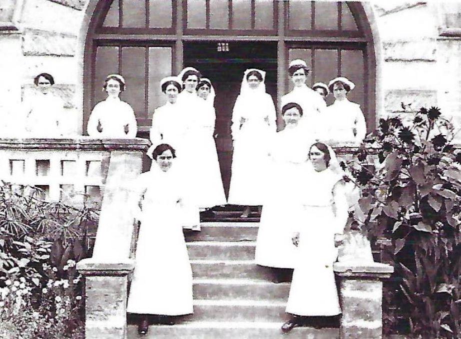 1917 Ida Bathgate (lower right)