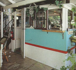 Boat kitchen, Hubble St 2000