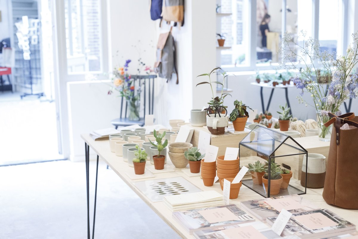 GATHER SHOP - The Gathershop believes that a hands-on, human approach to design yields a better end product. In this gorgeous shop in De Hallen in Amsterdam you'll find handmade, fairtrade and products from small design studios.Hannie Dankbaarpassage 19 , Amsterdam West