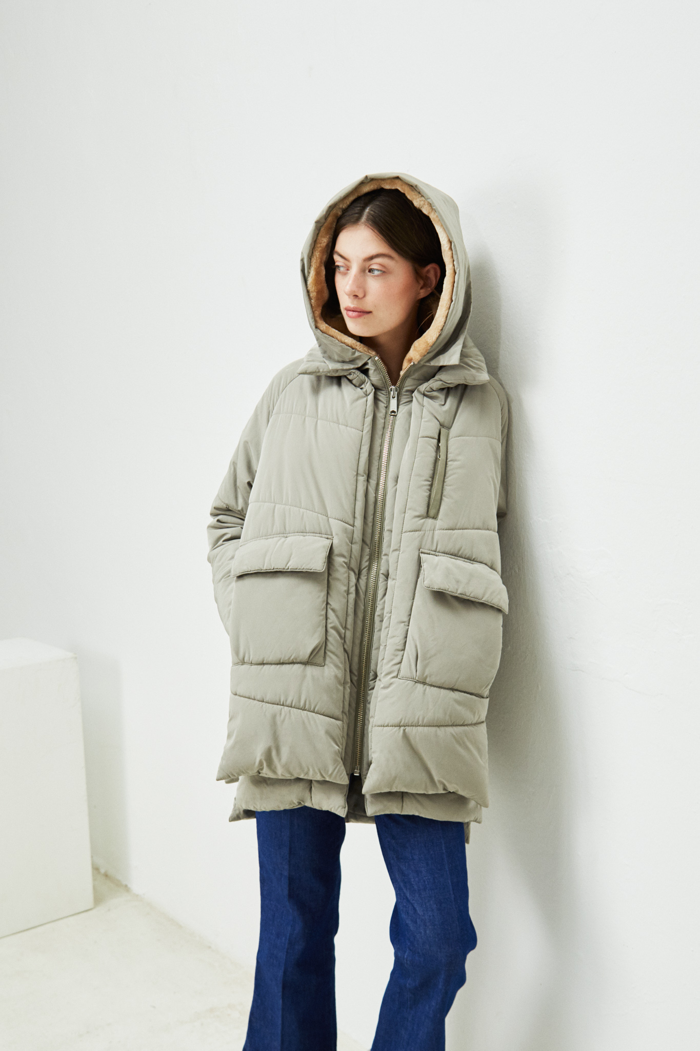 Lyndon_down_jacket_pale_olive-embassy-of-bricks-and-logs-eco-fair-vegan-13.jpg