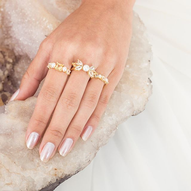 Anéis Pegasus | Citrino, Quartzo Rosa, Topázio e Pérola banhados a ouro 18k ✨ #kosmos #pegasus #djayalevy #healingstones #healingjewelry