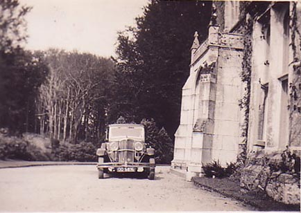 Lukesland in 1937 with Muriel Howell's Rover