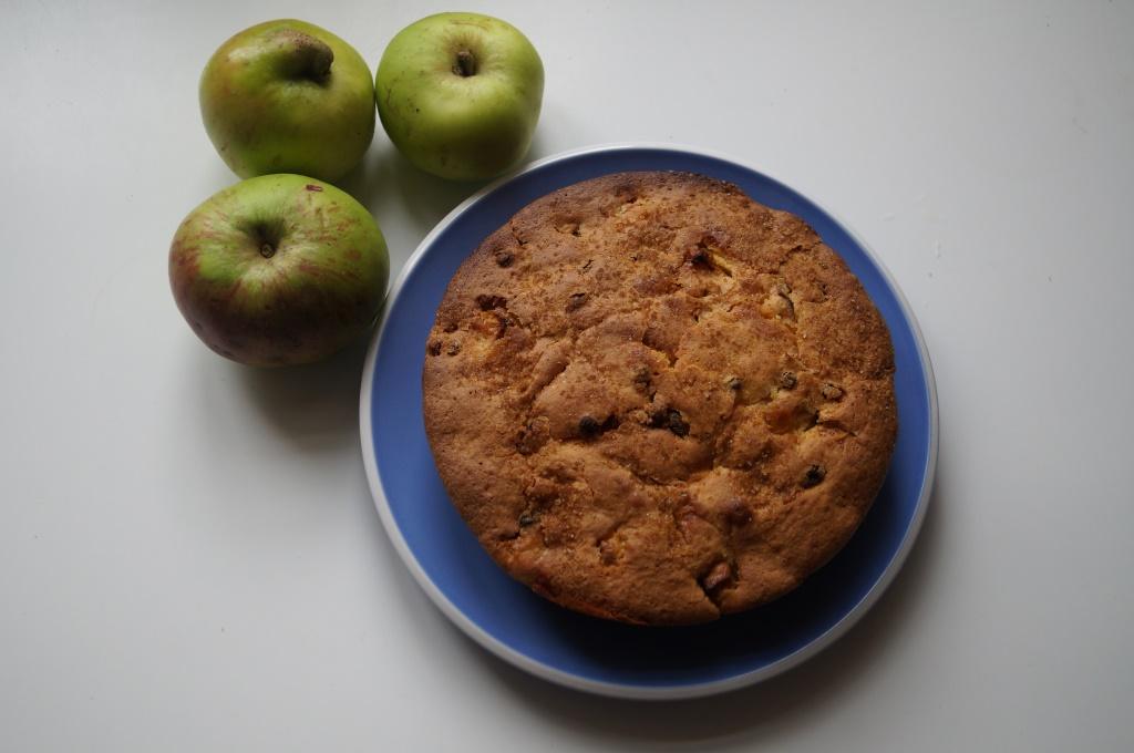 apple cake small.jpg