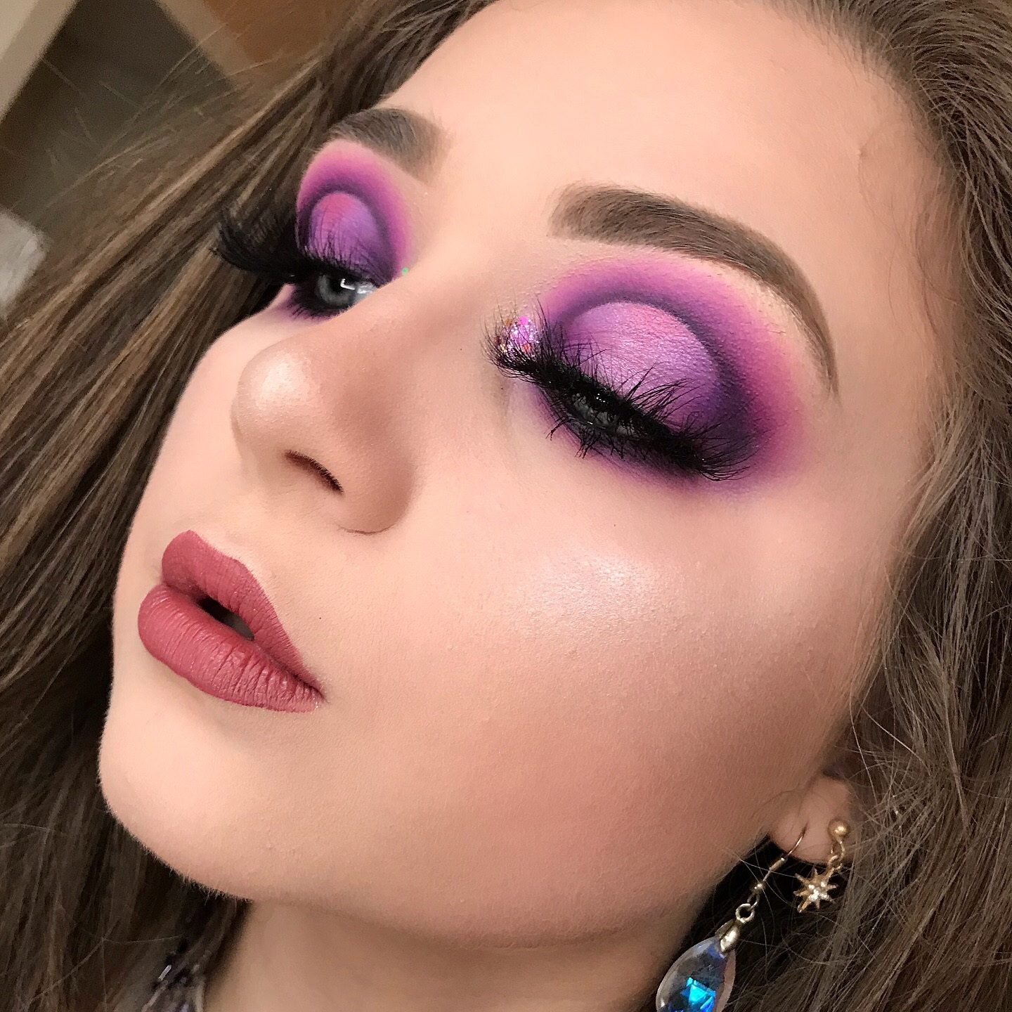 """@embmakeup_ - Discount Code:""""emilyb""""Hi! My name is Emily, and I'm an 18 year old makeup enthusiast from North Carolina! Ever since I was a little girl, I've been around and loved makeup because of my involvement in the performing arts! I am so excited to be able to immerse myself in my passion with the help of Midas Cosmetics!-Emily"""