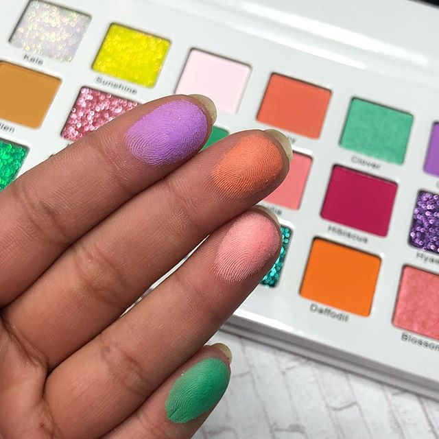 The pigment is real 😱😱 The pastels are buildable so they work on every skin tone! We knew that was the only way we do pastels. 💖 ONLY $29. | midascosmetics.com 🌸🌟 . . . . . . . . . #art #makeuplover #makeup #wakeupandmakeup #makeupswatch #indiecosmetics #crueltyfreecosmetics #crueltyfree #makeuponfleek #makeupnews #beauty #naturalbeauty #makeupartistsworldwide #indiemakeup #mua #inssta_makeup #cosmetics #makeupjunkie #makeupoftheday #model #mua #beautiful #instamakeup #beauty #eyeshadow #iamgold #midascosmetics