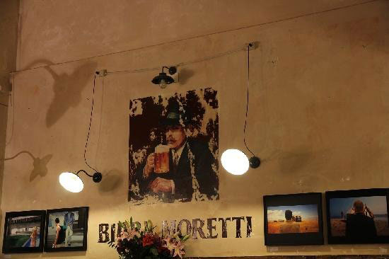 ItalyRome-BabetteRestaurant-WallLights.jpg