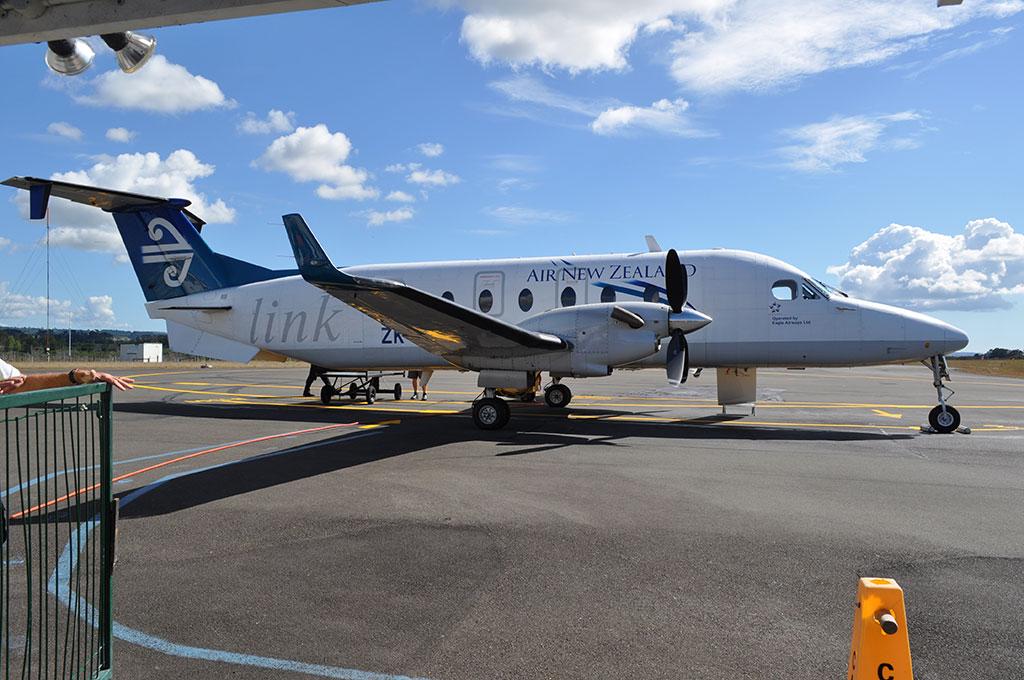 New-Zealand-AeroplaneOnRunwaySunny.JPG