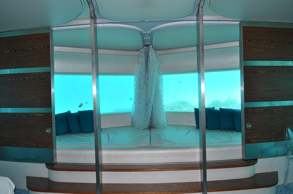 Maldives-HuvafenFushi-UnderwaterHotel.jpg