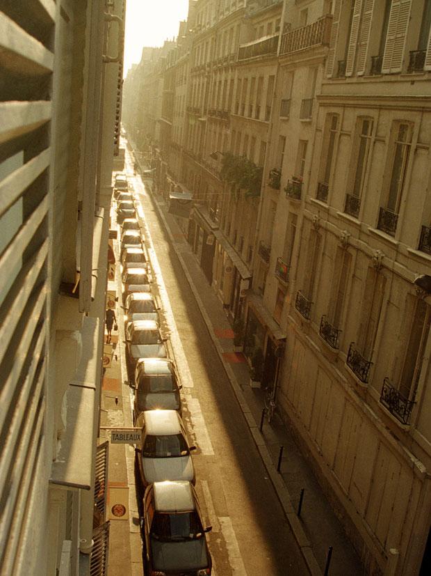 RUE DE VERNEUIL WITH HANDBAG, PARIS, FRANCE, 1997 ARCHIVAL PIGMENT PRINT