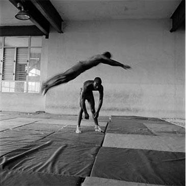 SALTO DE TIGRE, CUBA, 2001  Photographer: Laurence Salzmann GELATIN SILVER PRINT