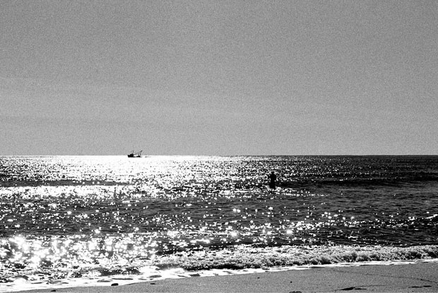 STAND UP PADDLE, MONTAUK, NY, 2014  ARCHIVAL PIGMENT PRINT