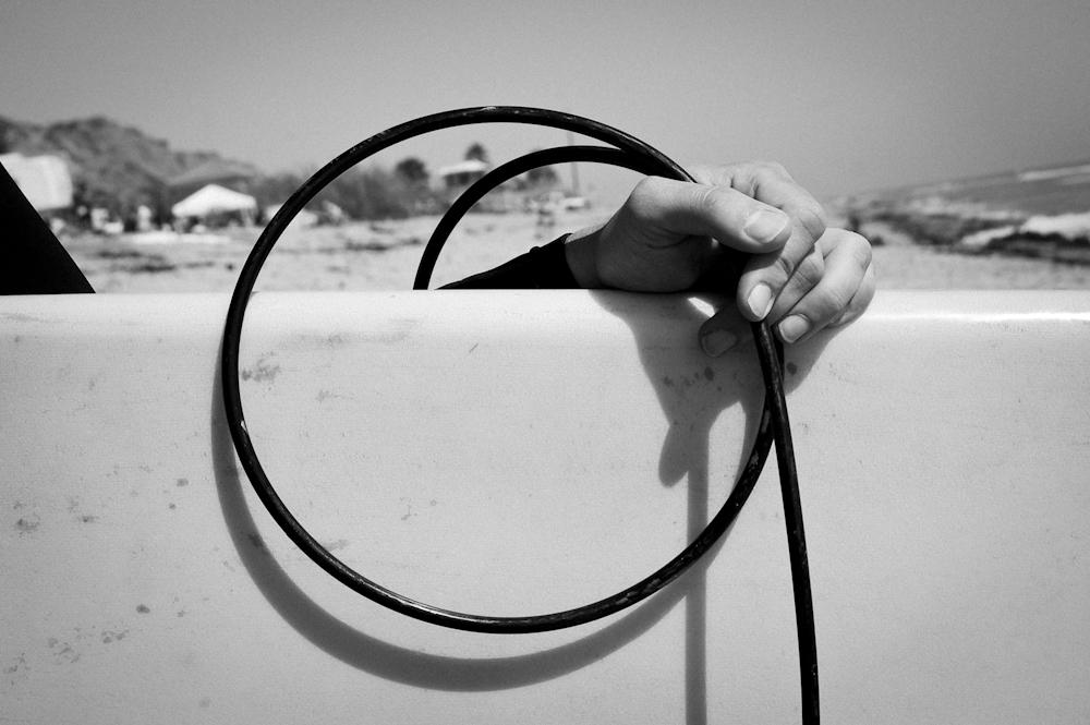 LAUREN PISANO HAND WITH LEASH,  CALIFORNIA, 2011 ARCHIVAL INK ON ARCHIVAL PAPER
