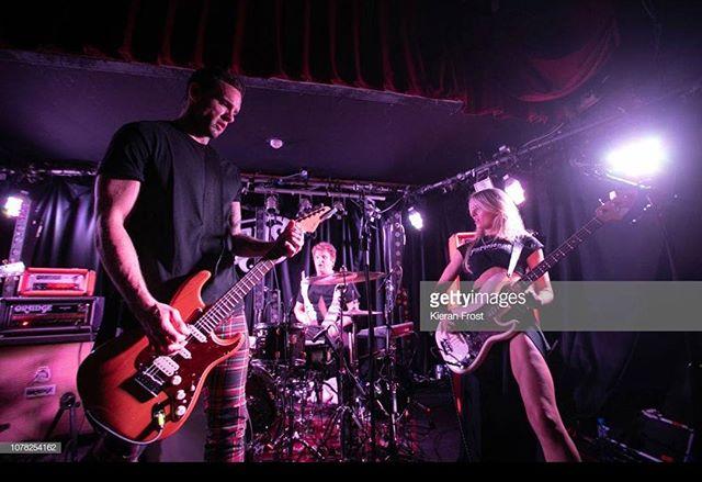 Too Guitary #doyizknowwonderwall #doyizplaythekillers pic @frost_ie .