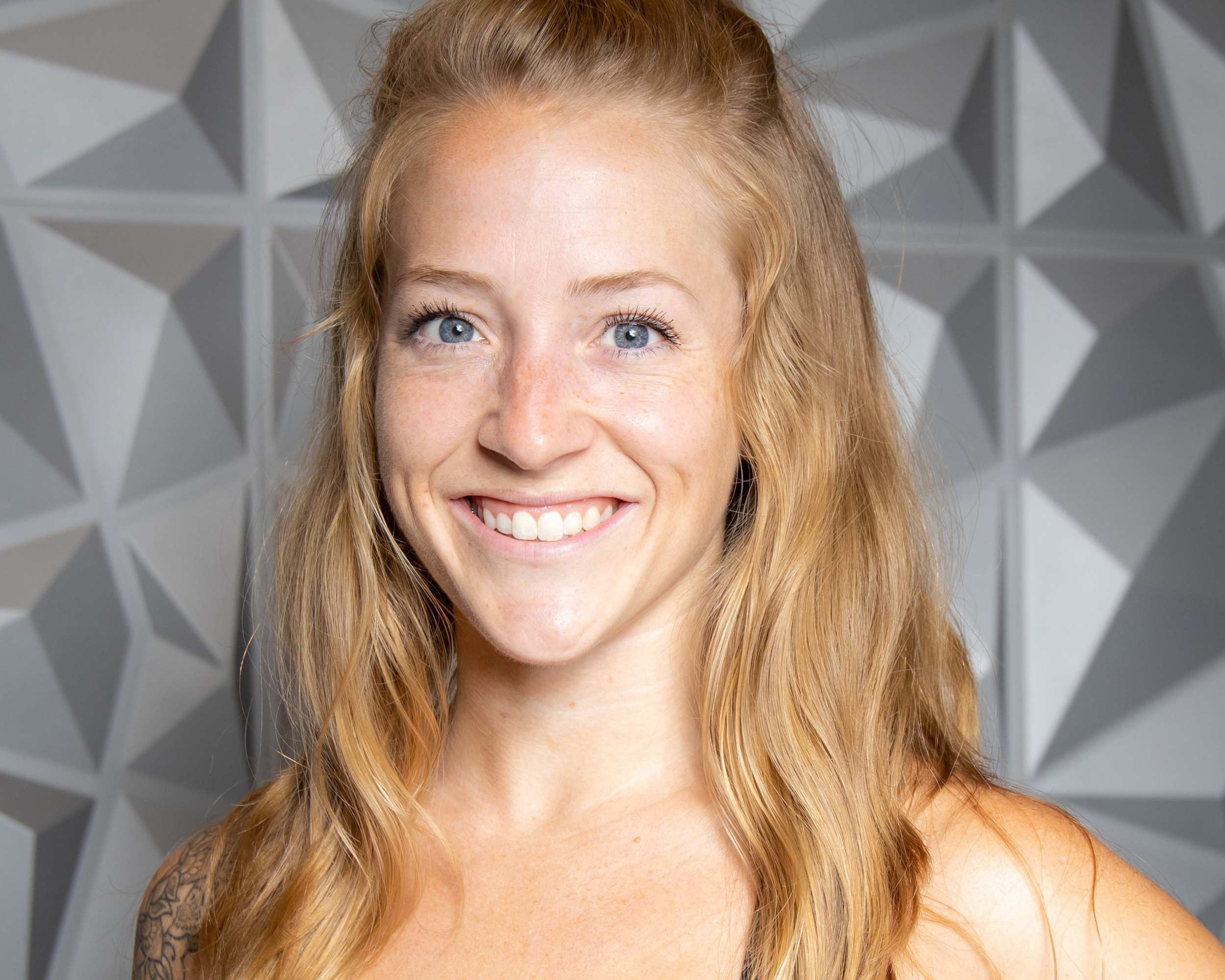 sam palmer - Sam is known as the trainer of trainers and the best barre instructor in Denver, join her for barre or high intensity interval training Wednesday or Friday lunch power hours!