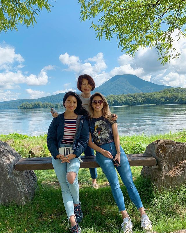 Family trip to Hokkaido! Currently shoving my face with 🦀 🧀 🍨 🍣 🐷 #lakeakan #japan