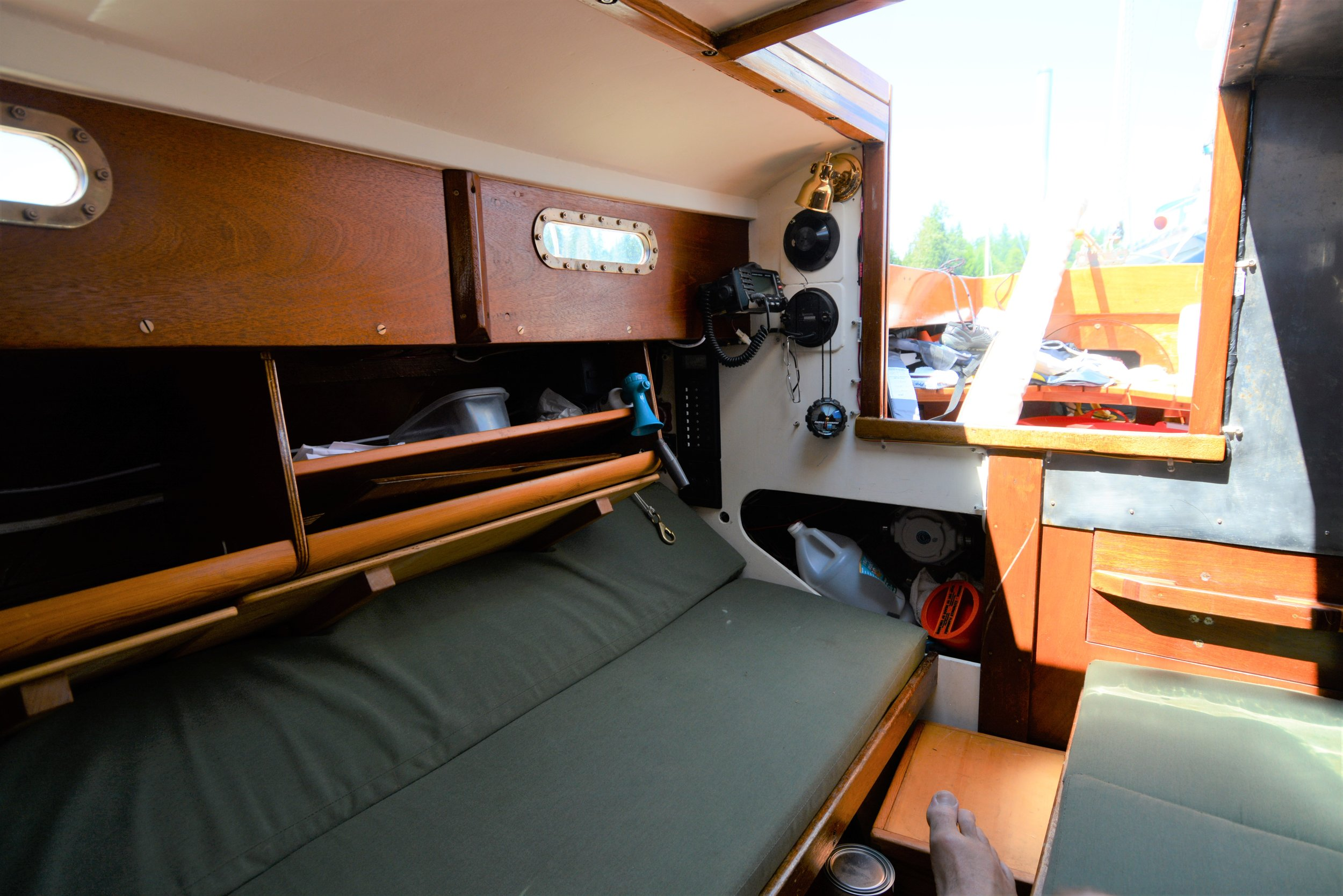 Starboard settee/bunk, looking aft