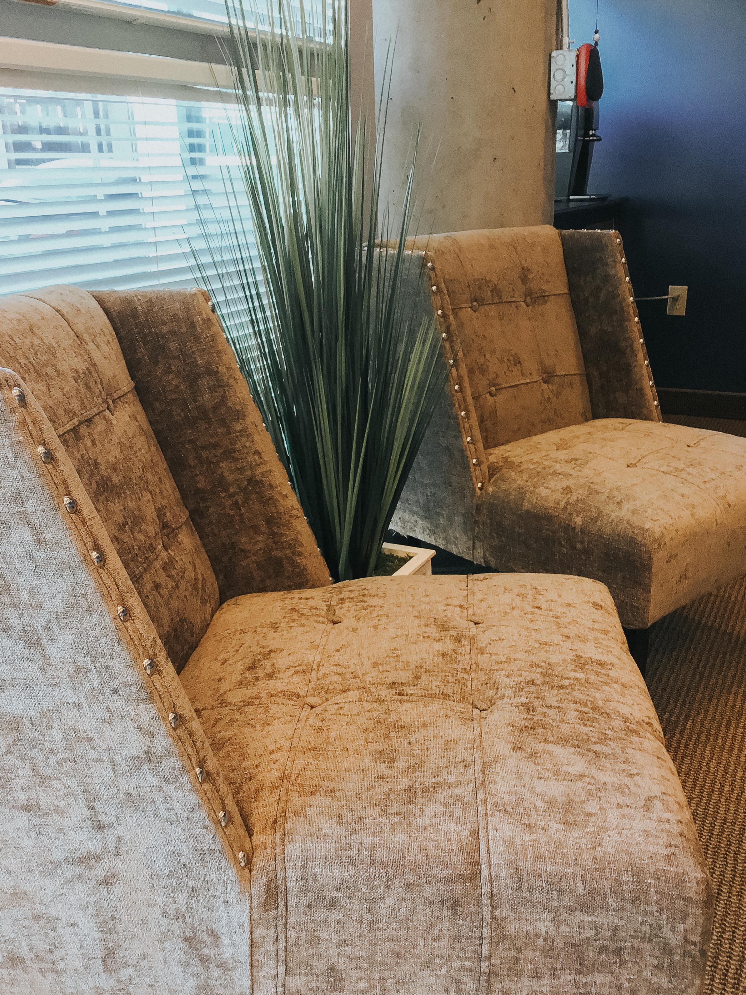 Atom-Massage-Comfort-Lobby.jpg