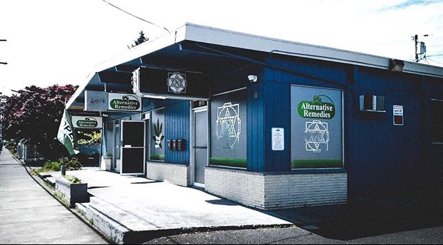 Inspire Inhalers are now available at @alternativeremediesrebirth! . Come check out our inhalers at 8109 SE Flavel St, Portland, OR 97206 📍 . . . Do not operate a vehicle or machinery under the influence of this drug. For use only by adults twenty-one years of age and older. Keep out reach of children.
