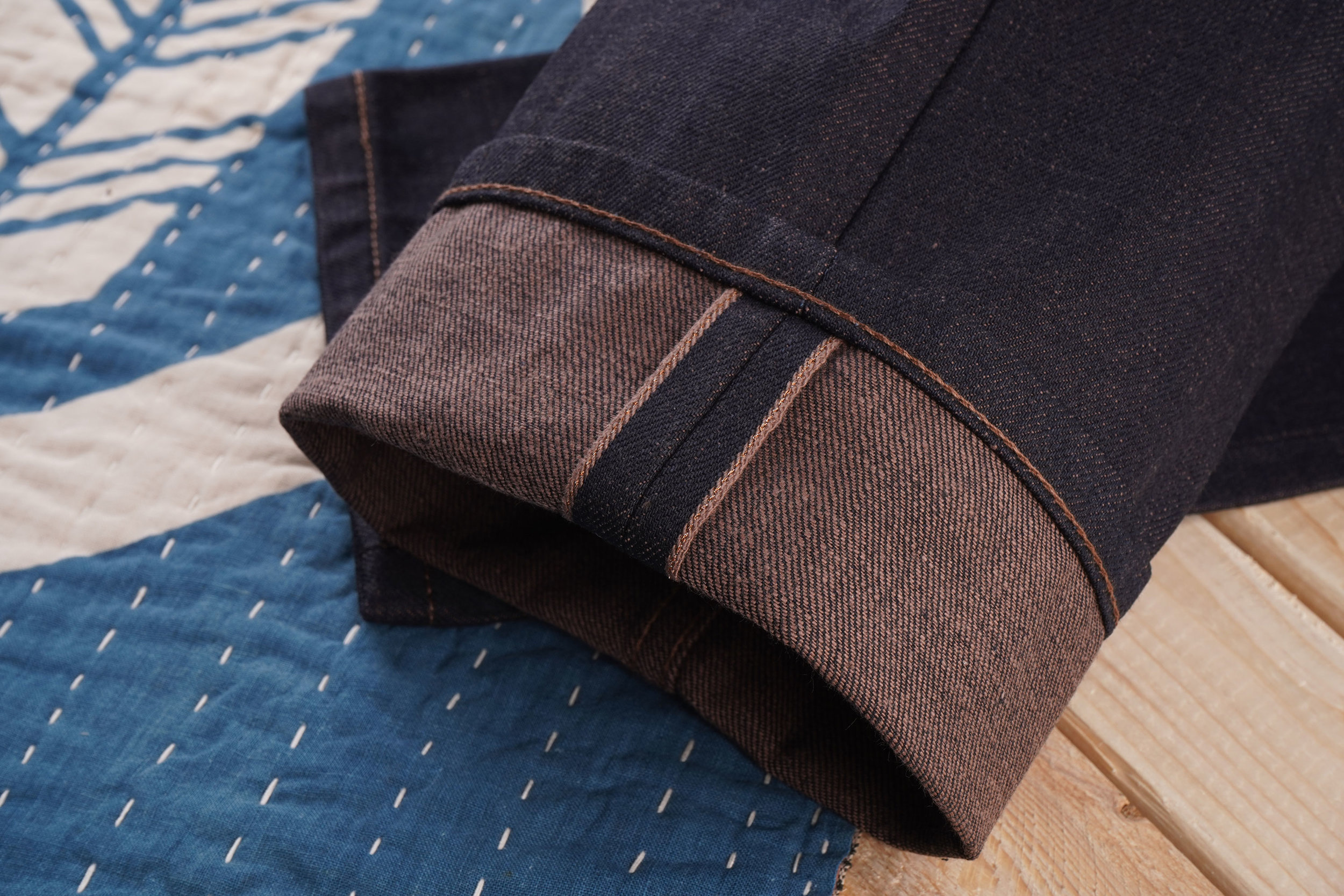 Chestnut-Dyed-Selvedge-Stitching-3x2.jpg