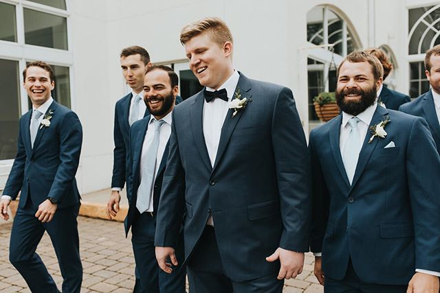 Incase you didn't know, men are secretly the best at candid pictures. . . 📸 @russellheeter 💐 @ashleyskeieevents  #groom #mngroom #mnevents #lafayetteclubwedding #weddingphotography #weddinginsporation #weddingideas #mnwedding #ashleyskeieevents