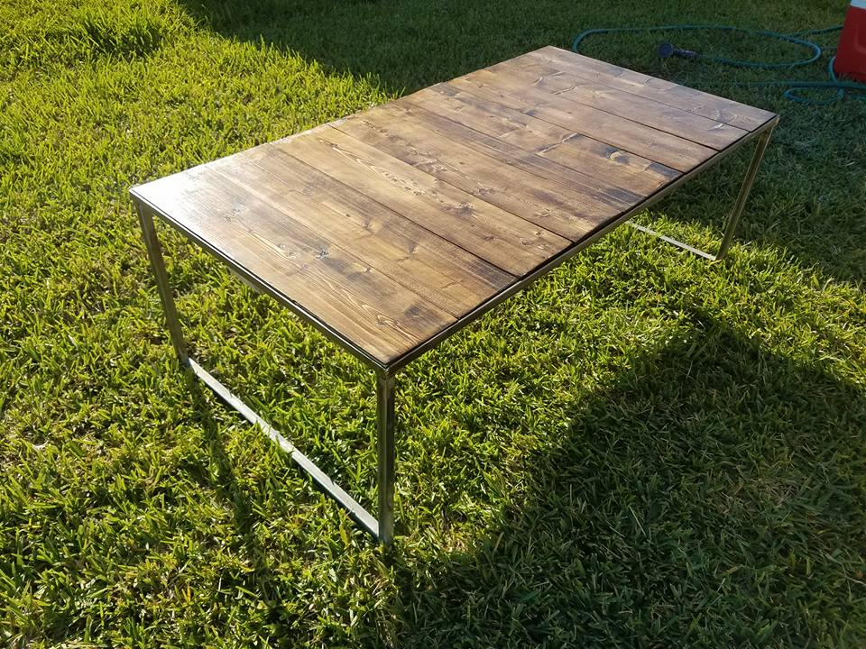 Patio/porch outdoor table with metal frame