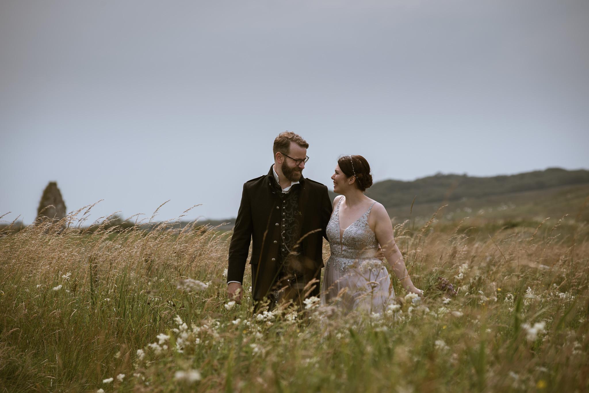 Melanie and Michael - an atmospheric finlaggan wedding
