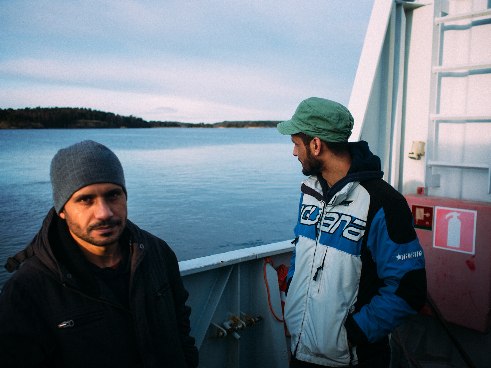 Yousef 35 years old is father of 5 kids and uncle of Ihab, he left Baghdad in 2015 just when his nephew organised the trip from Turkey to Greece. Their trip is similar to the one of the hundreds of thousands of people that crossed the Aegean sea and half Europe to reach Austria, Germany, Holland, Sweden and Finland.