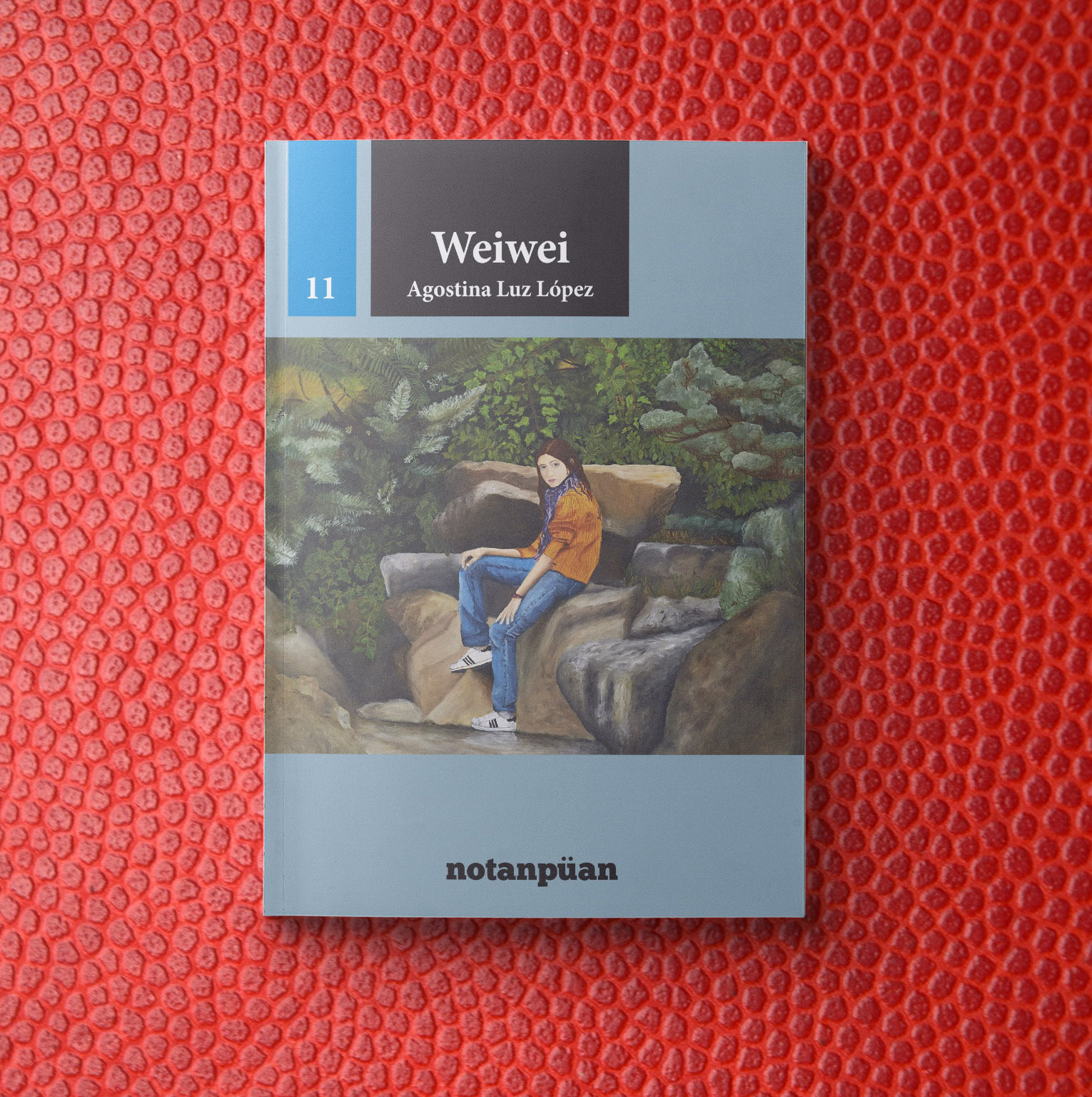 Title:  Weiwei   Author: Agostina Luz López  Year of publication: 2016  Pages: 123  Publisher: Notanpuan (Argentina)  World English rights available.