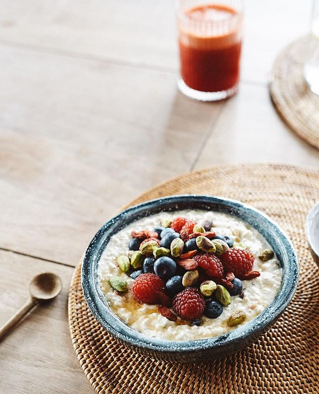 🍃 g o o d  m o r n i n g 🍂 . . . Initially developed by the Swiss physician Max Bircher-Benner as a digestive aid for his patients, bircher quickly became a favourite breakfast dish, light snack or easy early supper⠀ ~⠀ My recipe for simple, delicious Bircher is now online 🍓🥣 www.revaamba.com/recipes/bircher-muesli . . . . . ————— #goodmorning  #startyourdayright  #birchermuesli  #cookwithme  #eatwithme  #foodforlife  #frommykitchen