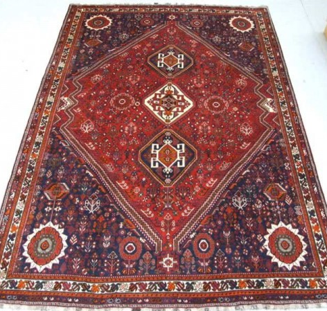 Traditional Iranian Qashqai    Size Measurements: 315cm x 225cm