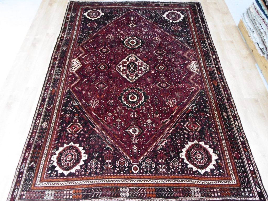 Iranian Qashqai - Circa Late 1900'sCountry of Origin: IranSize Measurements: 310cm x 210cm