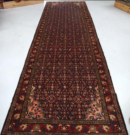 Traditional Mehreban Runner    Size Measurements: 436cm x 127cm