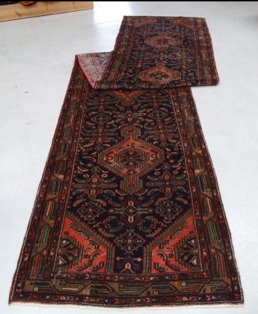 Traditional Mehreban Runner    Size Measurements: 510cm x 99cm
