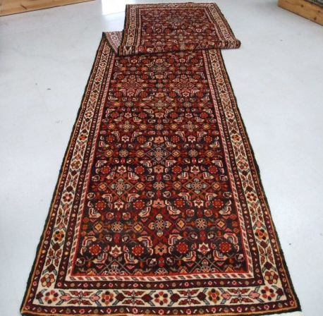 Traditional Hamadan (Runner) - Circa Late 1900'sSize Measurements: 485cm x 110cm