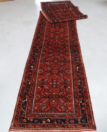 Traditional Hoseinabad (Runner) - Circa Late 1900'sSize Measurements: 505cm x 88cm