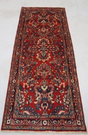 Traditional Mehreban (Runner) - Circa Late 1900'sSize Measurements: 198cm x 76cm