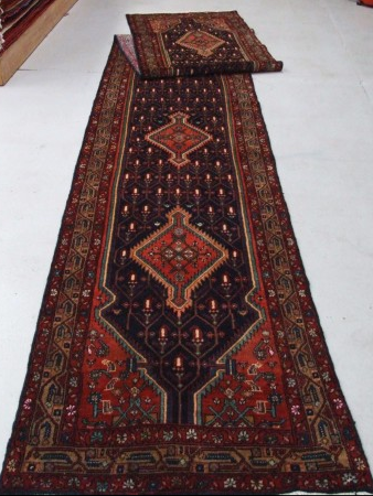 Traditional Mehreban (Runner) - Circa Late 1900'sSize Measurements: 569cm x 94cm