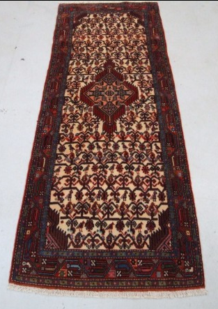 Traditional Tajabad (Runner) - Circa Late 1900'sSize Measurements: 212cm x 77cm