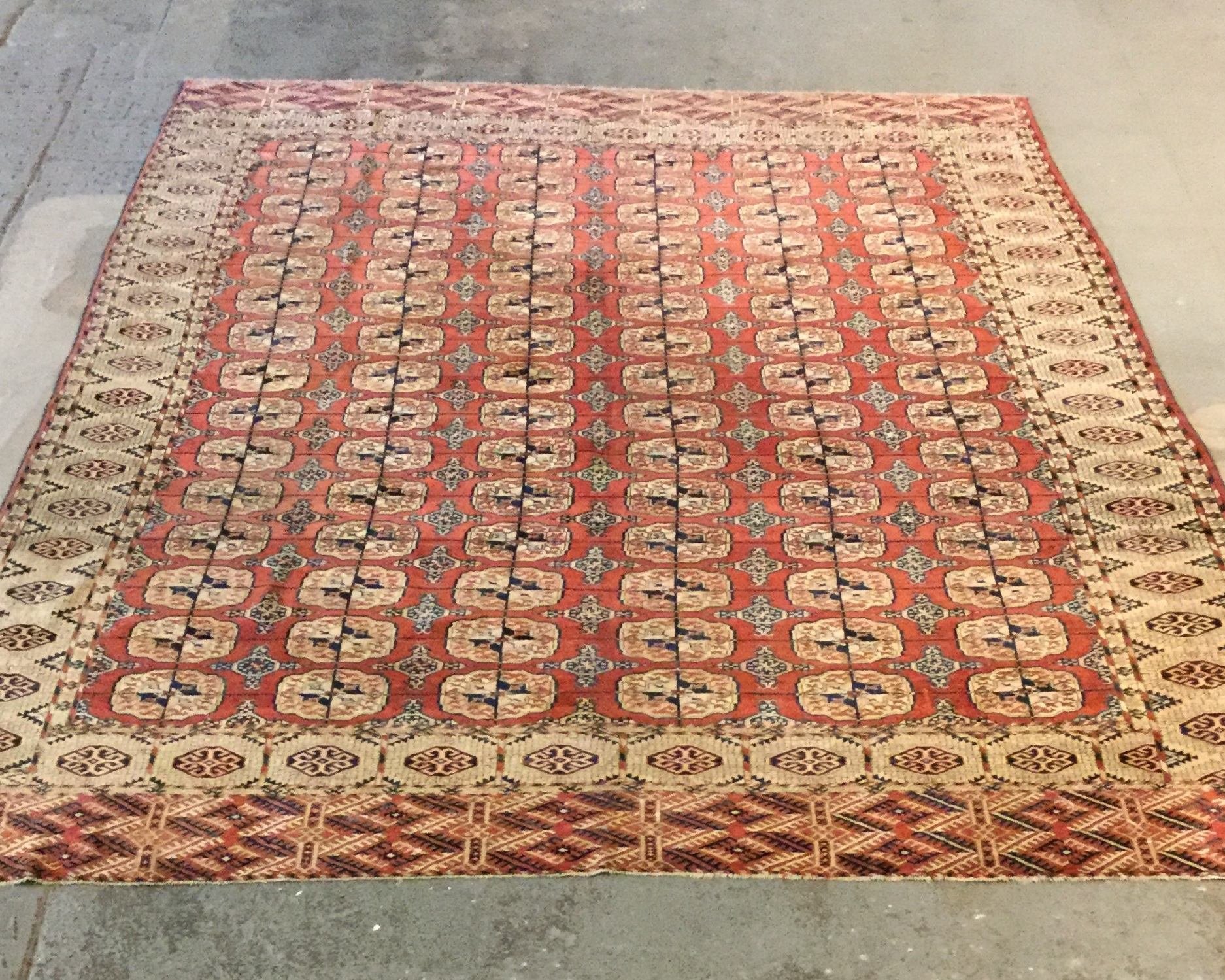 Traditional Turkomen - Circa 2000'sSize Measurements: 345cm x 253cm