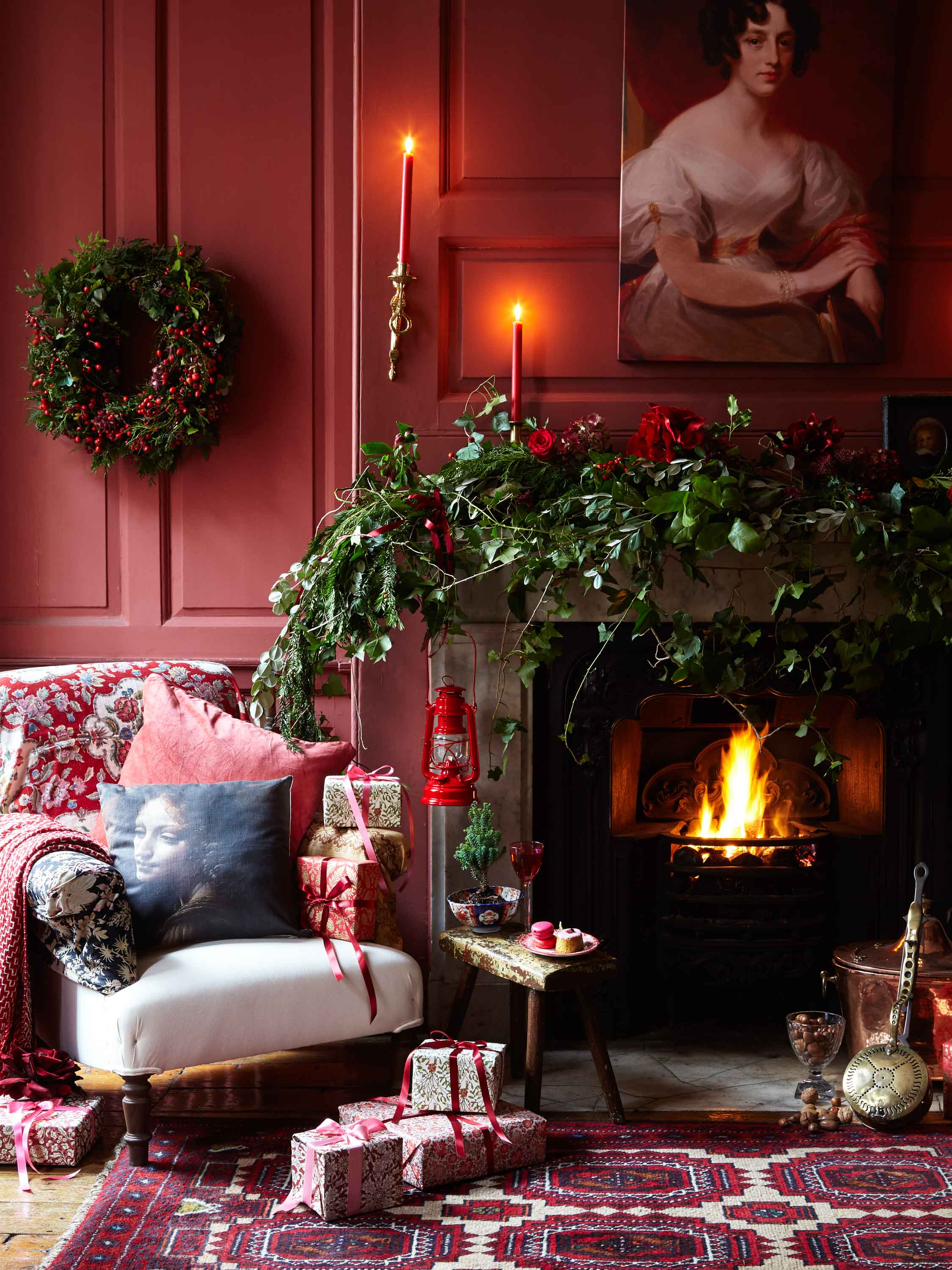2017_10_18_HOMES_AND_ANTIQUES_CRIMSON_CHRISTMAS_SO5_032.jpg