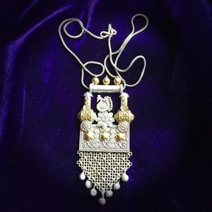 silver-necklace.jpg